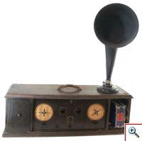 Rádio Radiola Superheterodyne AR-812 (Museu da Música, Inv. MM 776)