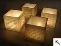Caixas de parafina grandes com motivos alusivos à colecção do museu